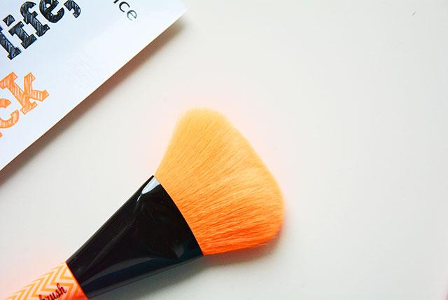pennelli trucco essence cosmetics make me pretty
