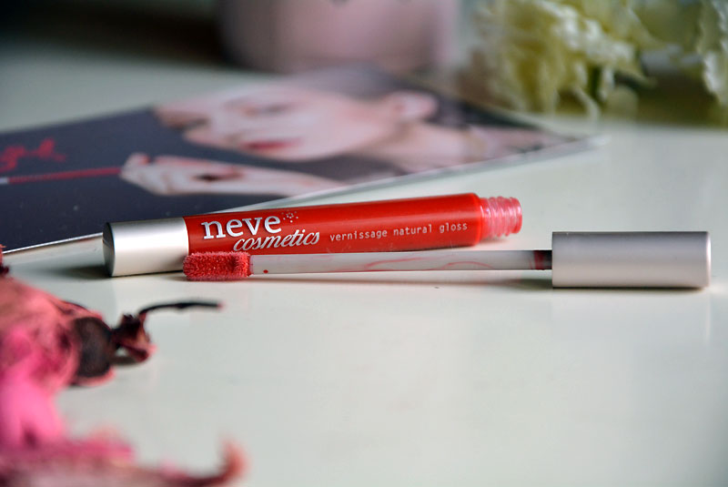 Neve Cosmetics Vernissage Natural gloss in oriental poppies