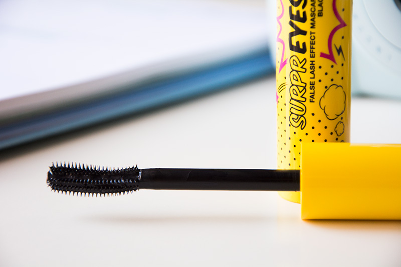 DEBBY makeup Mascara SURPREYES - l'applicatore