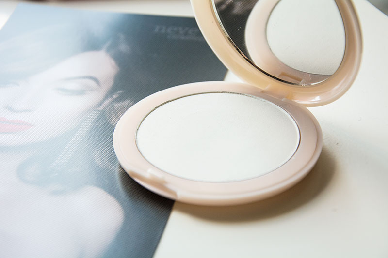 Neve Cosmetics Cipria Flat perfection drama matte