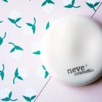 Cipria compatta Neve Cosmetics Flat Perfection Alabaster Touch