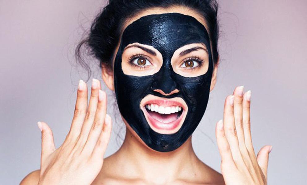 Come realizzare la Black Mask fatta in casa