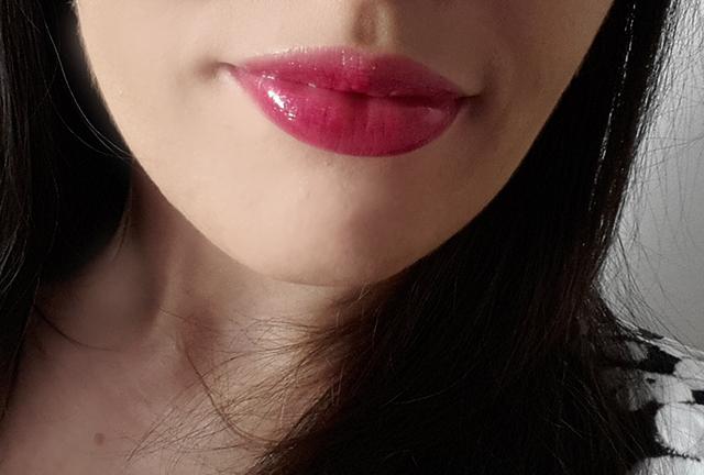 avon glow lip gloss