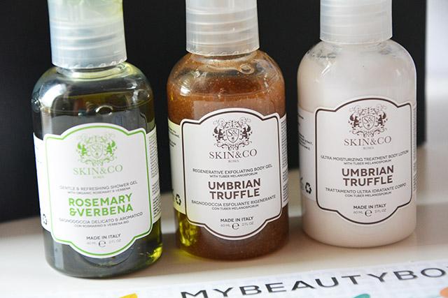 mybeautybox-nature-science-ottobre-2015-skin&co-bagnoschiuma