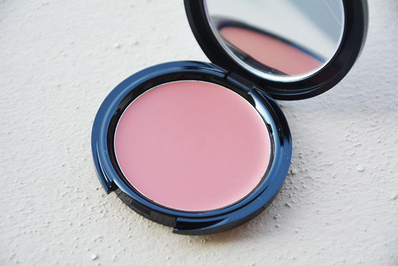 HD Blush (€ 30,90) N. 210 Cool Pink