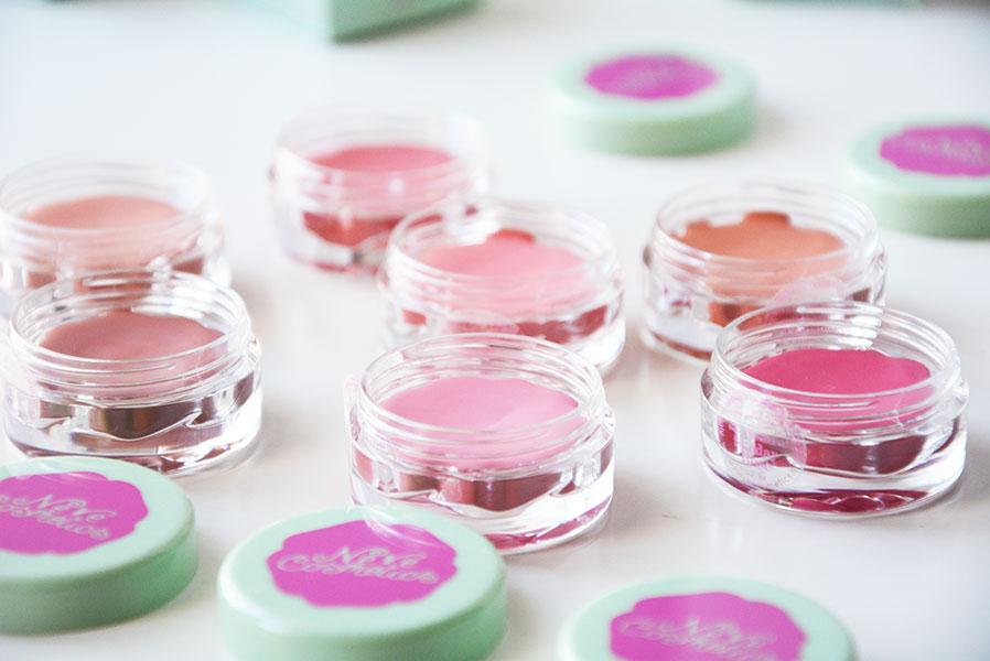 neve-cosmetics-blush-garden-3