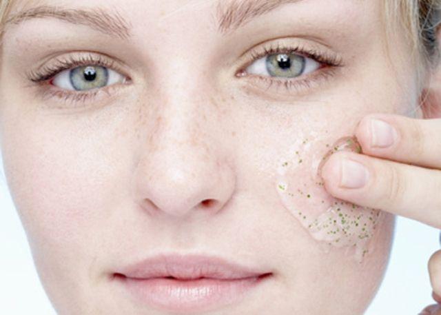 Scrub viso - applicazione