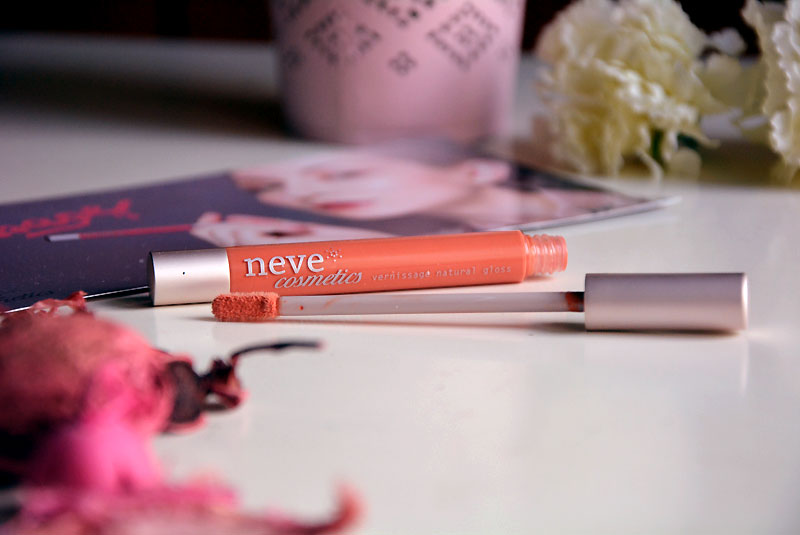 Neve Cosmetics Vernissage Natural gloss in catalan landscape