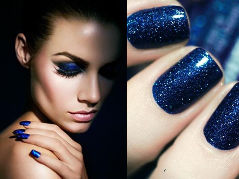 unghie estive blu elettrico